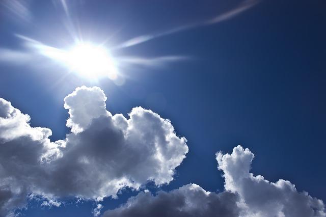 clouds-429228_640
