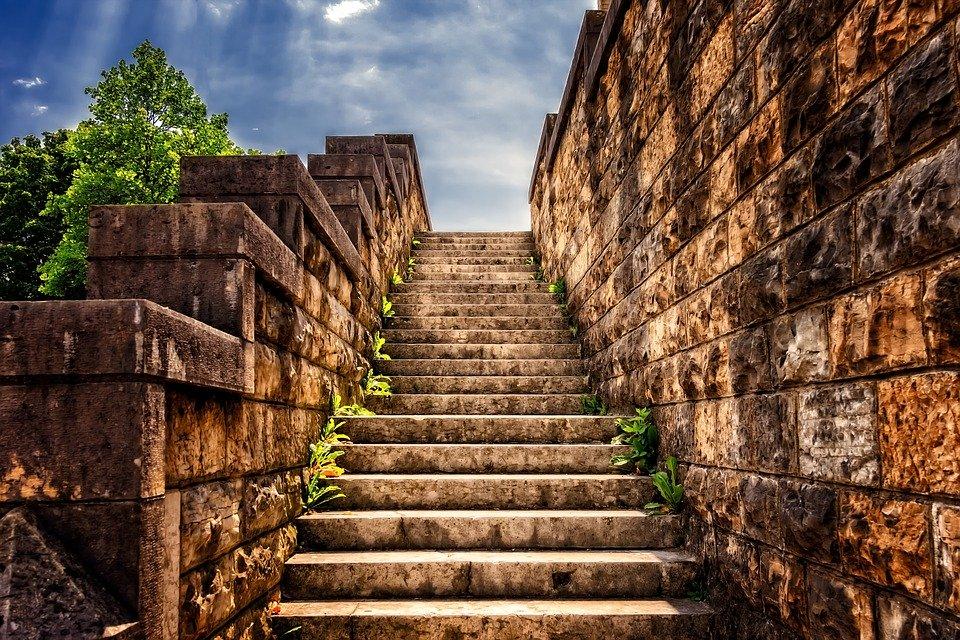 古い石の階段