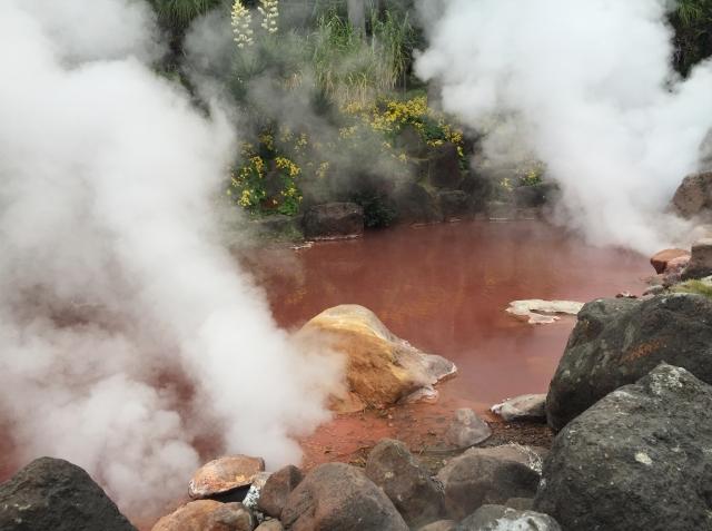 血の池地獄の画像
