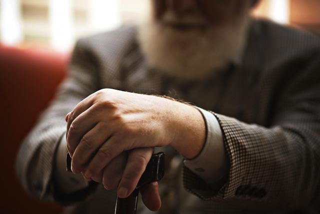 謎の老人の画像