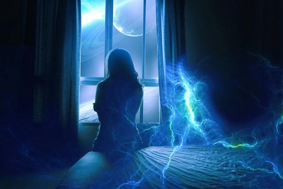 悪夢を見て起きた女性