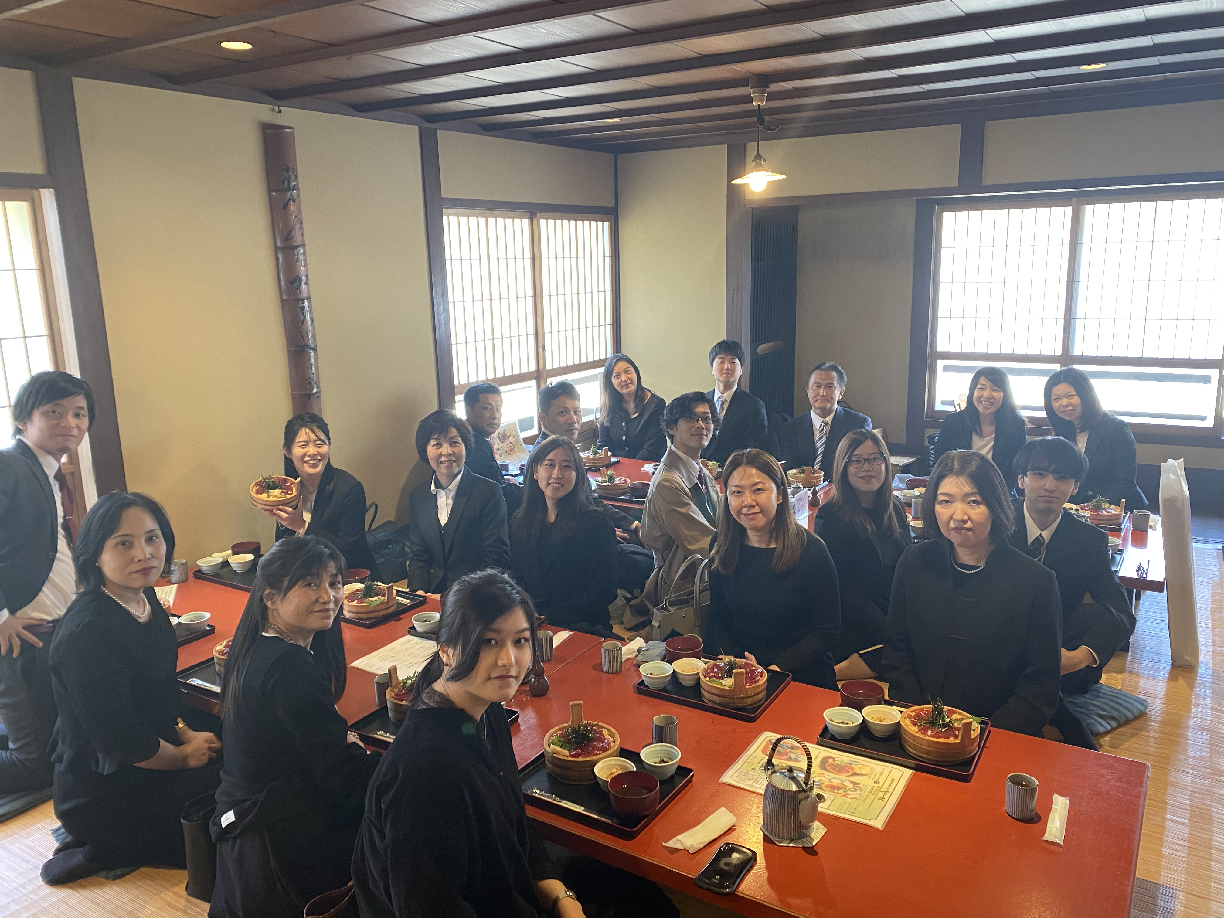 伊勢神宮参拝の食事風景