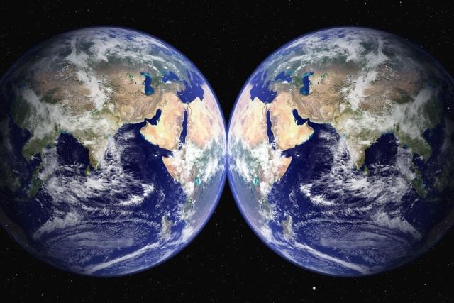 二つの地球