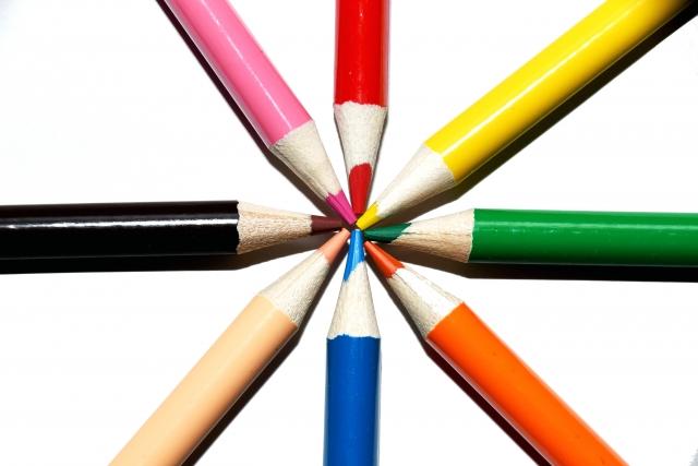 8本の色鉛筆