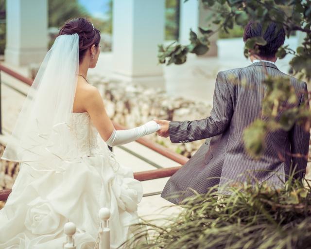 結婚式の新郎と新婦